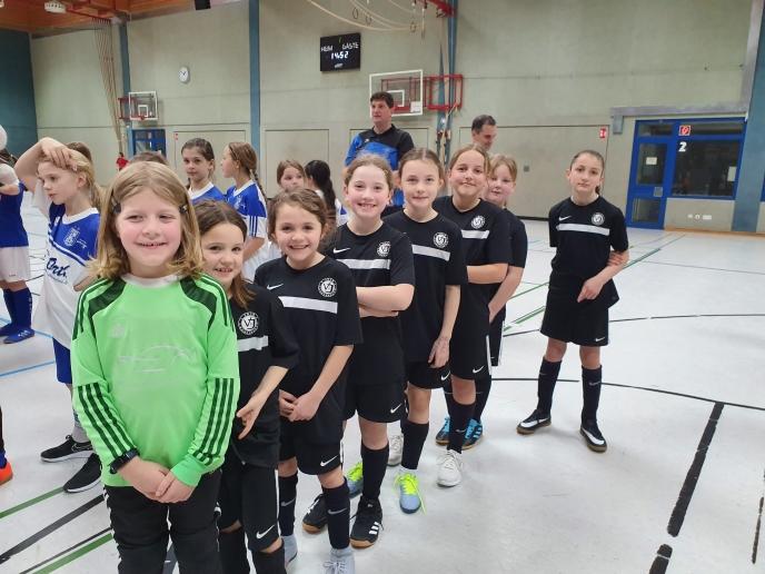 E- & F-Juniorinnen bei ihrem ersten Turnier